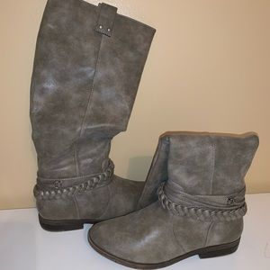 grey rampage boots